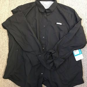 Women's Columbia shirt. NWT. Only $30